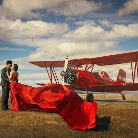 Take me over the cloud by Zhuo Ya - Wedding Bride & Groom ( zhuoya, red, prewedding, kiwi, kiwi wedding, bride and groom, zhuoya photography, new zealand )