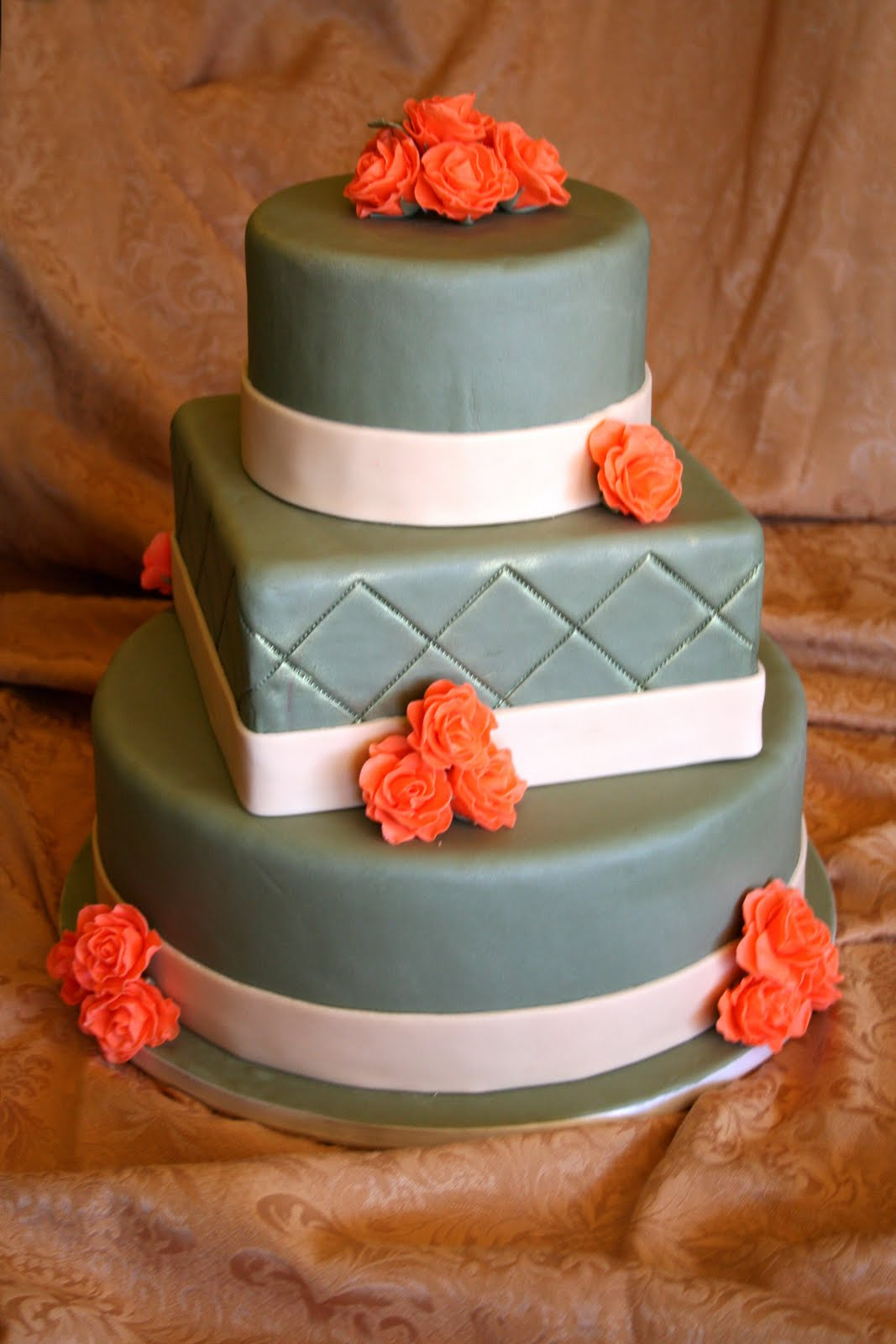 do an Autumn wedding cake.