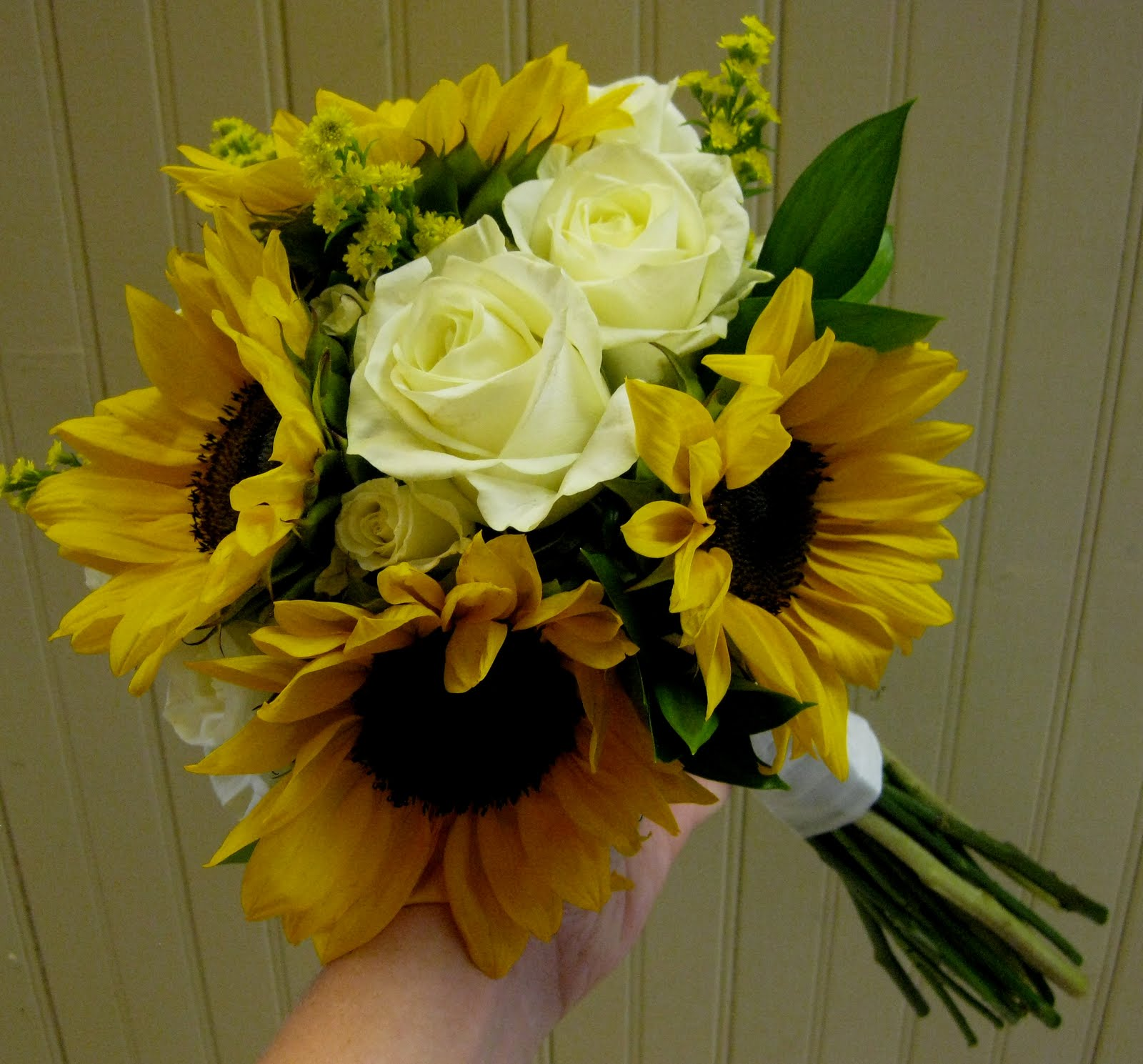 Bridesmaid Bouquets Sunflowers : Goegebeur s wedding bouquet sunflowers