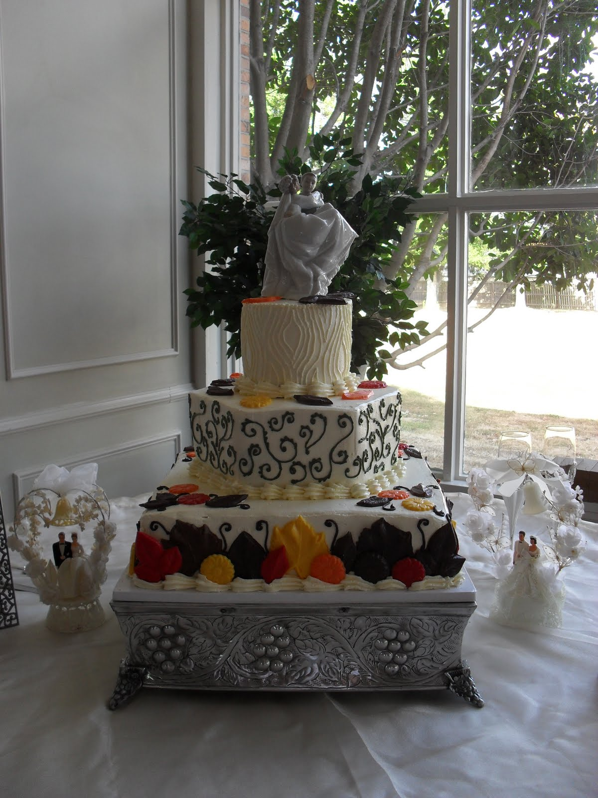 Autumn Wedding Cake with