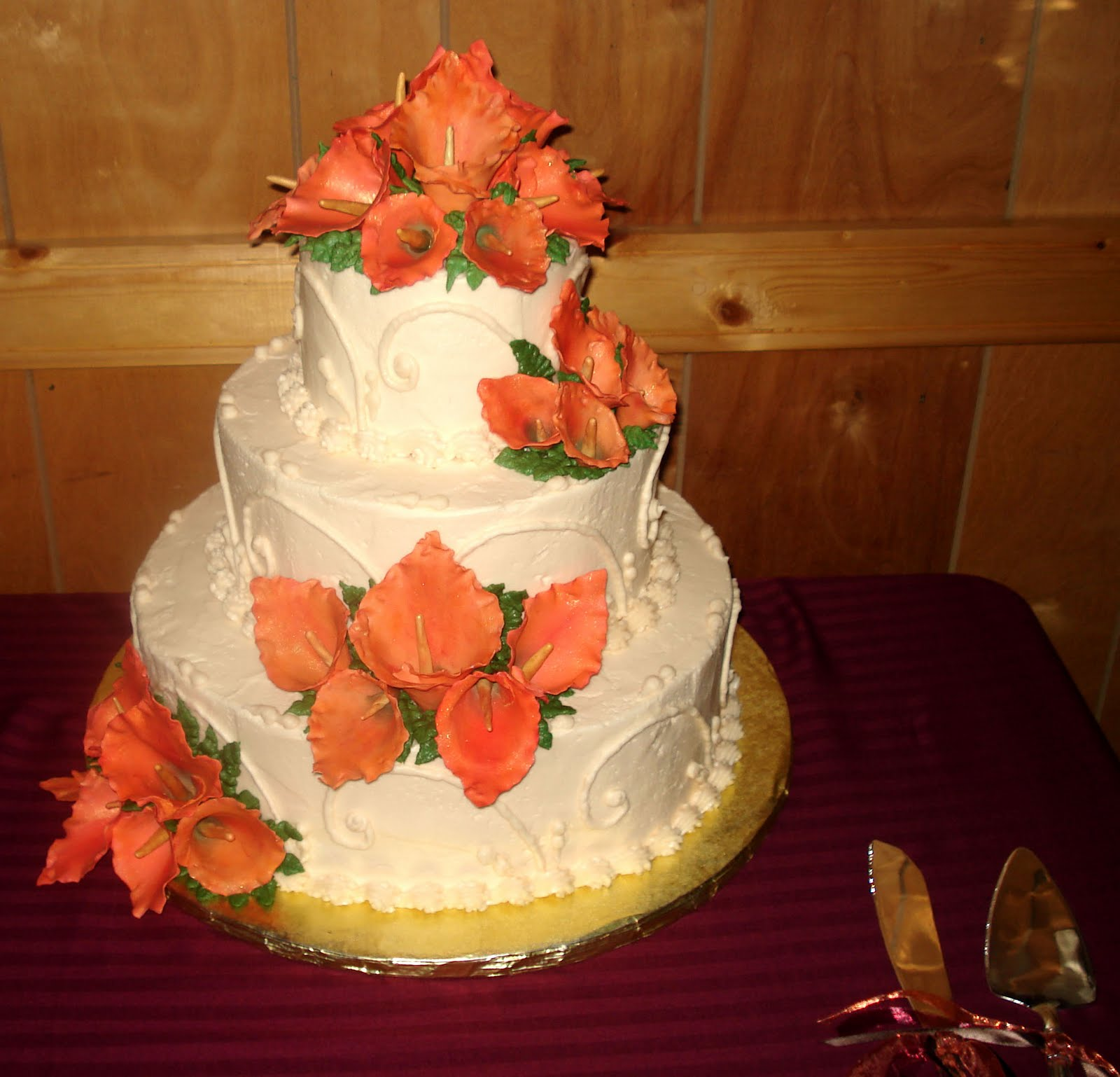 The wedding used fall colors.