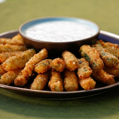 Crispy Zucchini Fries with Buttermilk Ranch Dipping Sauce