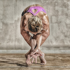 by Ben Rohleder - Sports & Fitness Fitness ( balance, blonde, girl, relax, fitness, mindful, healthy, wellbeing, relaxation, relaxing, stretching, yoga )