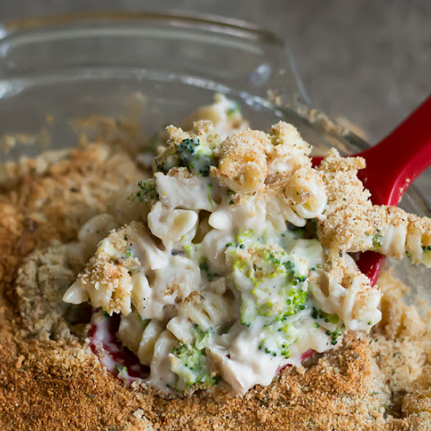 Creamy Chicken and Broccoli Pasta Bake