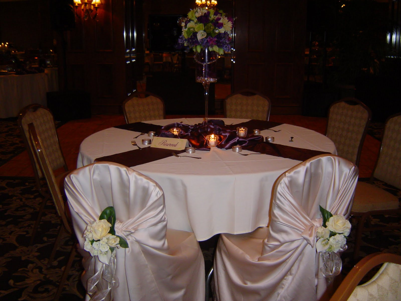 silver wedding table with