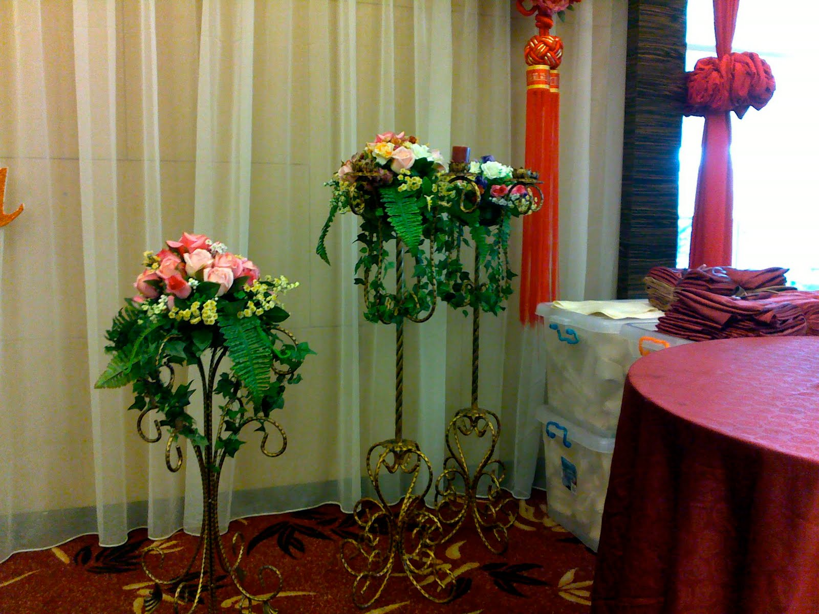 flower stands for weddings