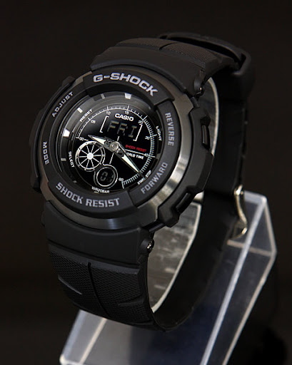 Casio G Shock : g-301b