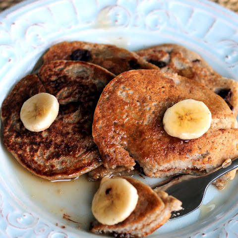 Oatmeal Chocolate Chip Banana Pancakes {healthy, vegan + gluten-free}