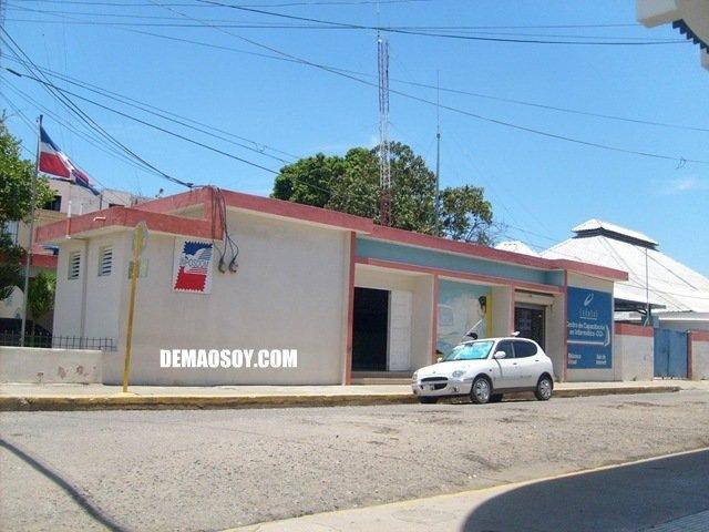 Oficina de correos en mao pide a due os de env os pasar a for Oficina internacional de origen correos