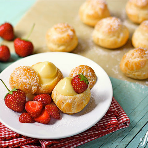 Mini Cream Puffs with Vanilla Pastry Cream