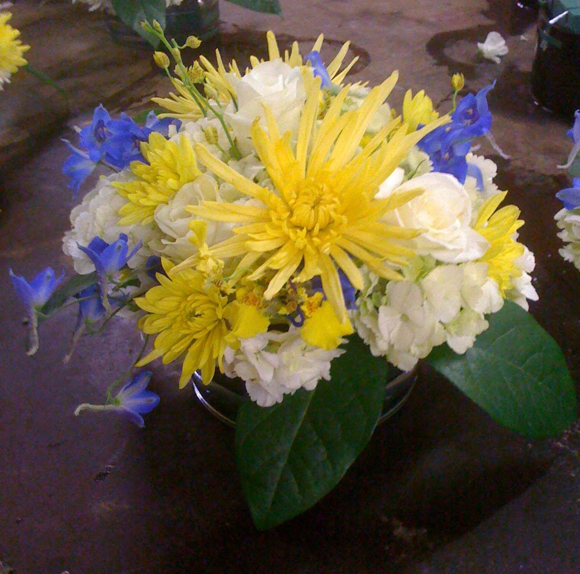 Amies blog royal blue wedding decorations royal blue yellow and white mightylinksfo