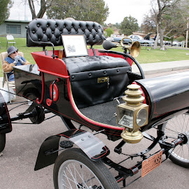 1901 olds curved dash by Debbie Theobald - Transportation Automobiles ( classic car, cars, automobile, arizona, unedited, car show )