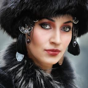 Black swan by Cvetka Zavernik - People Portraits of Women ( face, fur, jewelry, women, black )