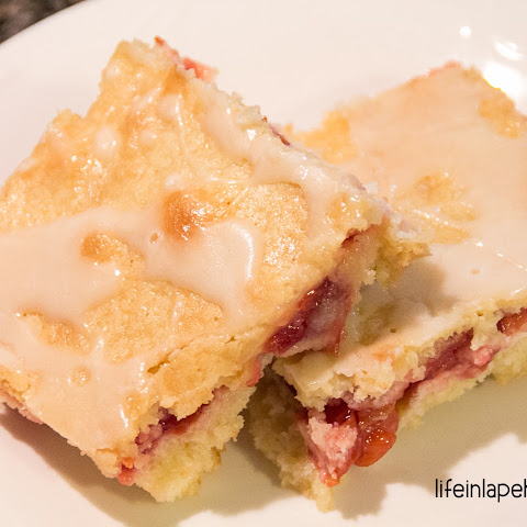 Yummy Cherry Cream Cheese Bars
