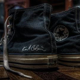KURT COBAIN CHUCKS  by Chase Alog - Artistic Objects Clothing & Accessories