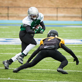 Running in for the touchdown by Patricia Konyha - Sports & Fitness American and Canadian football