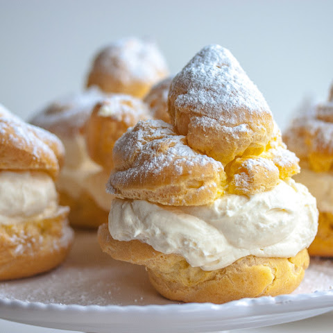 Italian Creme Puffs Filled with Ricotta Cream