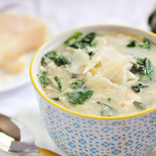 30 Minute Creamy Spinach and Artichoke Soup