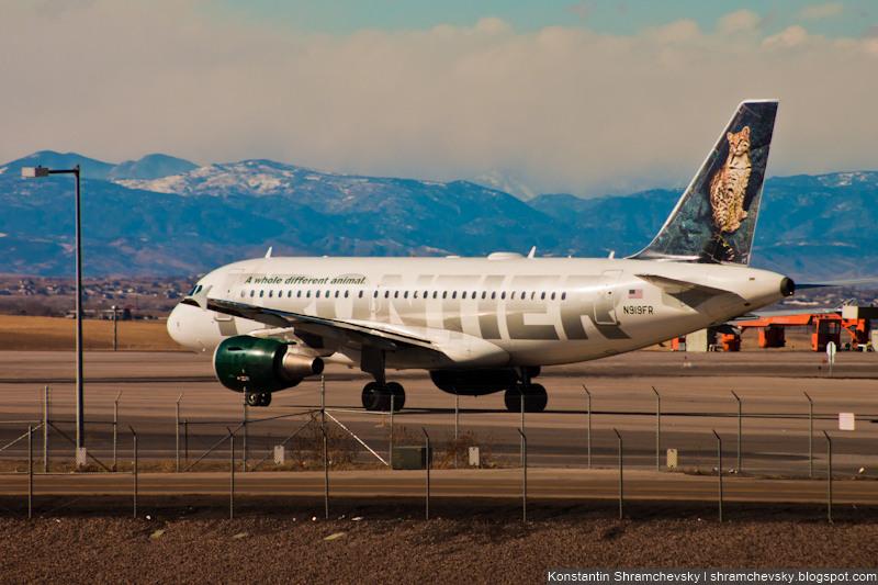 USA Colorado Denver International Airport Frontier Airlines Airbus A319 N919FR Lance Ocelot США Колорадо Денвер Международный Аэропорт Фронтир Эйрлайнс Аэробус Эйрбас А319 Оцелот Лэнс Хвост Самолёта