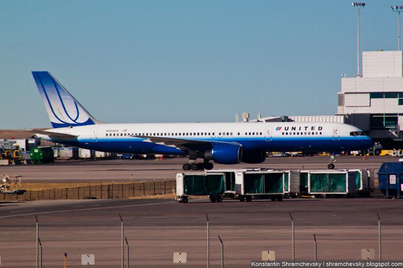 USA Colorado Denver International Airport United Airlines Boeing 757 New Livery США Колорадо Денвер Международный Аэропорт Юнайтед Эйрлайнз Боинг 757 Новая Ливрея