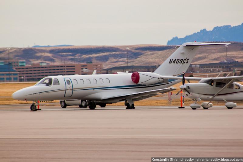 USA Colorado Denver Centennial Airport Tower США Колорадо Денвер Сентенниал Аэропорт APA KAPA Cessna Citation CJ3 C25B/L N409CS