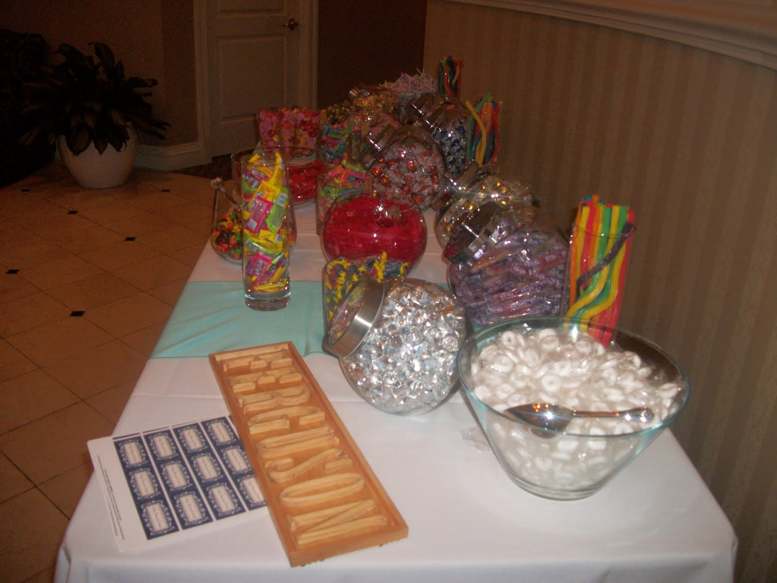 candy bar wedding favor ideas