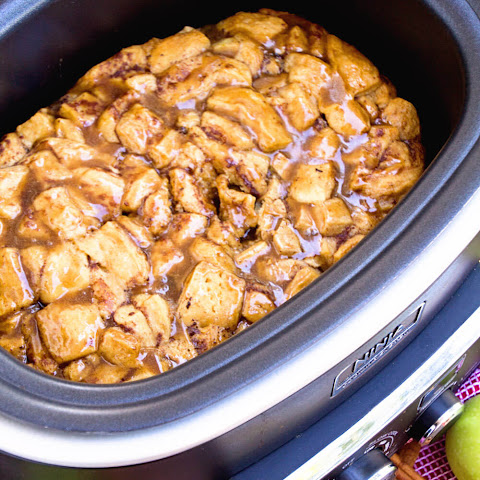 Crock Pot Caramel Apple Rolls