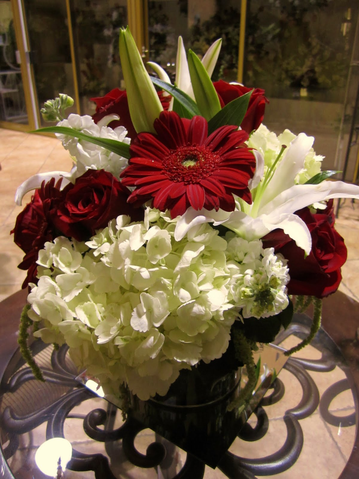 Red & Ivory Centerpiece