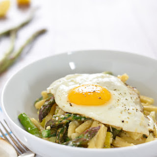 Asparagus & Parmesan Pasta with a Fried Egg