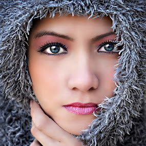 Alaskan II by PATT LULUQUISIN - People Portraits of Women