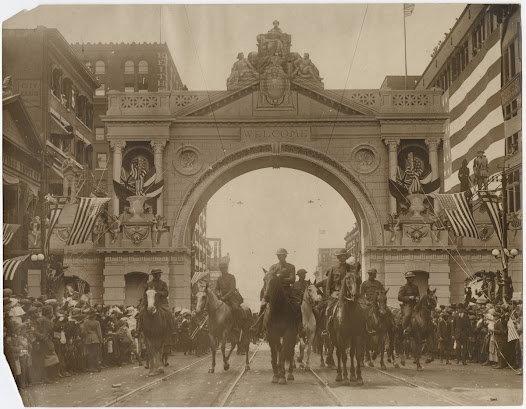 After World War I ended, Kansas City leaders set out to create a lasting monument to the men and women who had served in the war.  In 1919, citizens of Kansas City raised more than $2.5 million in just 10 days for the construction of the monument, the equivalent of over $35 million today.