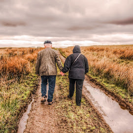 Weathering the Storms Together by Diane Ljungquist - People Couples (  )