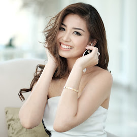 pretty lady with bluetooth iem by Andy Yusuf - People Portraits of Women ( pretty girl whited dress smile )