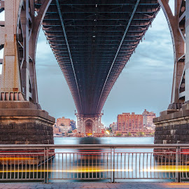 manhattas bridge  by Roman Gomez - Buildings & Architecture Bridges & Suspended Structures ( www.roman-photography.com )