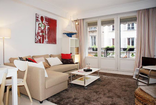 2 bedroom next to the lovely Luxembourg Gardens