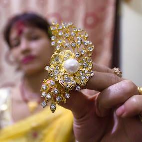 Hair pin Nepal satyam by Satyam Joshi - Artistic Objects Jewelry ( canon, jewelers, nepalgunj, jewelry, bokeh, portrait, satyam, photography, nikon d5100, kathmandu, depth of field, photographer, focus, nepali, dof, nikon, closeup, canon 550d, nepal )