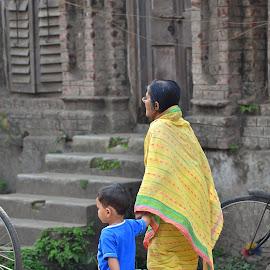 by Amar Acharyya - Novices Only Street & Candid