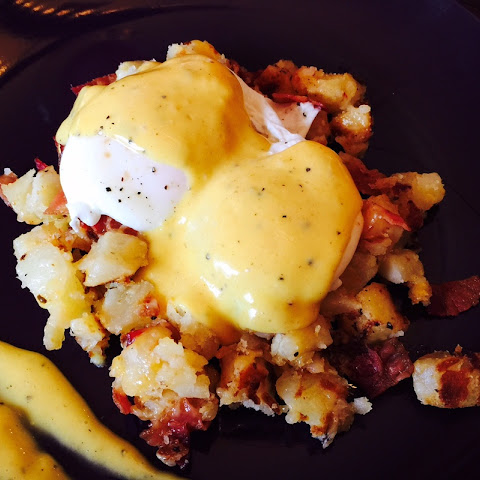 Poached Eggs with Cheesy Bacon Hash