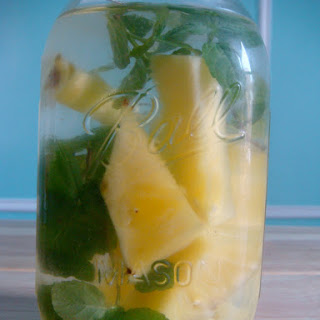 Pineapple-Mint Water with Ginger