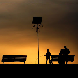 silhouettes in sunset. by Mihai Nita - City,  Street & Park  City Parks ( contre-jour, sky, park, sunset, silhouettes, people )