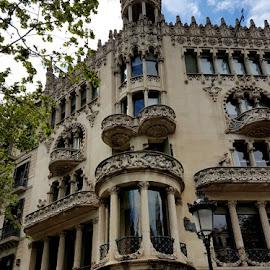 Casa Lleò Morera a Barcellona by Patrizia Emiliani - Instagram & Mobile Android ( casa lleò morera, sec.xx, barcellona )