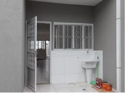 Casa para Aluguel 61 m²  com 2 quartos
