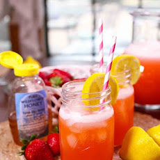 Strawberry Lemonade With Honey