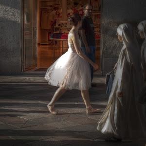 Bailarina y monjas HDR OK (1 de 1).jpg