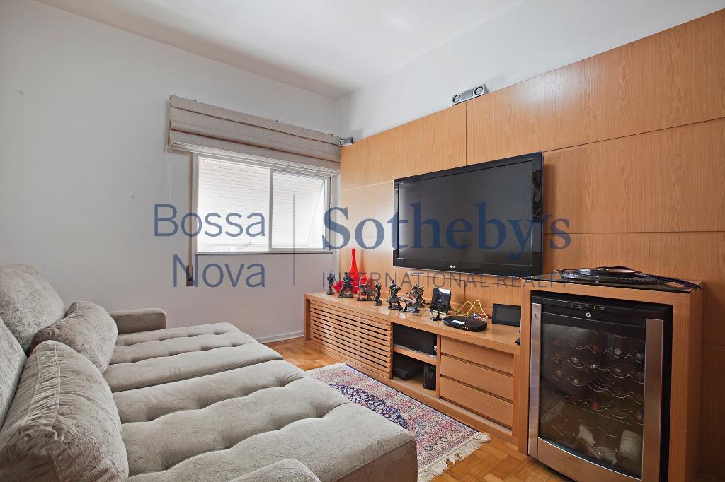 Apartamento com espaço e claridade