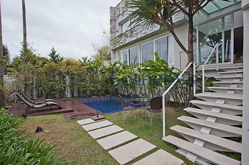 Casa  impecável com agradável  área social , Jardim Guedala, São Paulo.