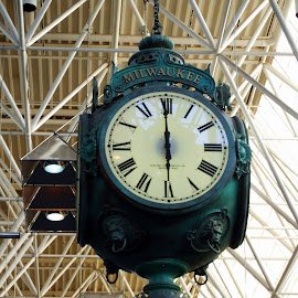Milwaukee Airport Clock by Michiale Schneider - Artistic Objects Other Objects ( timepiece, time, clock )