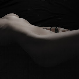 The flow of her body by Blair Douglas - Nudes & Boudoir Artistic Nude ( body, fit sexy, nude, toned body, naked, beautiful, artistic nude, light, shadows )