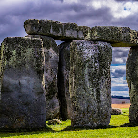 Stonehenge by Jennifer Tsang - Buildings & Architecture Statues & Monuments ( uk, stonehenge, wiltshire, landmark, travel )