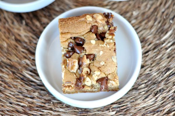 Walnut Chocolate Chip Blondies Rezept   Yummly